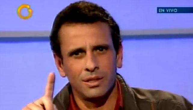 Para mantener atención, Capriles anuncia que está embarazado