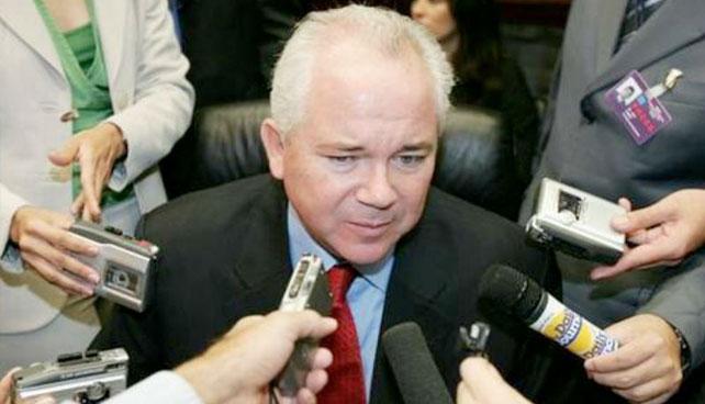 Rafael Ramírez promete 4 millones de barriles diarios para el 2006