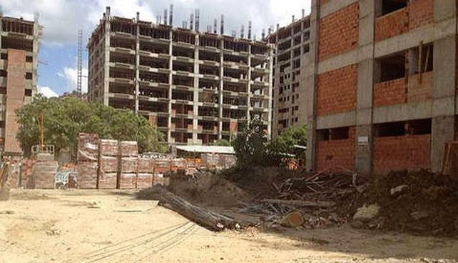 Maduro explica que no terminar viviendas es parte del legado de Chávez