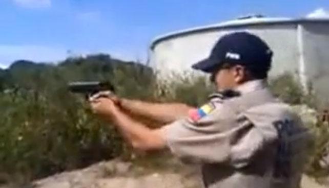 Policías aparecen en video actuando como malandros, los destituyen y se meten a malandros