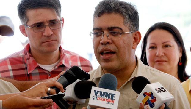 Gobierno acusa a Capriles de querer darle golpe de estado a Jaua en Miranda