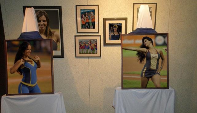 Museo del Béisbol inauguró exposición en honor a promotora que está rica