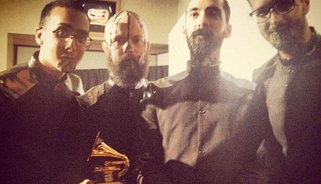 Joven que decía que los Grammy no servían, celebra por venezolanos que ganaron