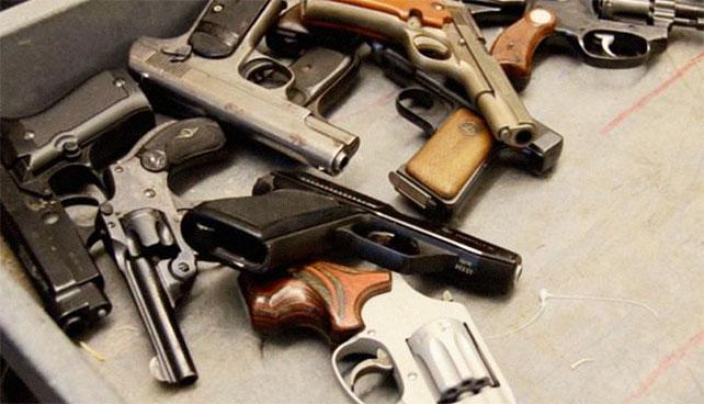 Criminales ingresan a Twitter, ven indignación y deciden entregar sus armas