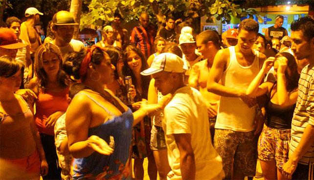 Gobierno conmemora solemnemente muertos del 27F con guerra de minitecas en La Guaira