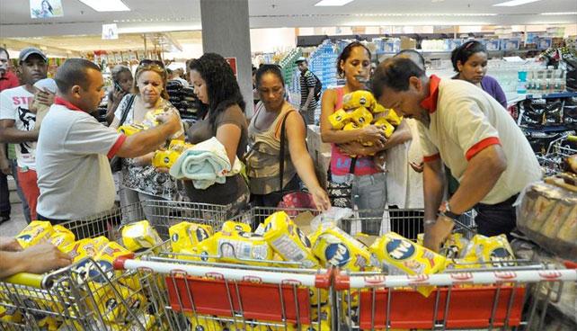 Venezolanos recuerdan buena época cuando solo escaseaban 2 o 3 productos