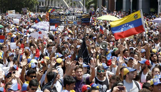 """Gobierno paralizó Caracas para evitar despliegue de """"minúscula marcha"""""""