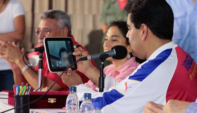 Maduro promete Wifi gratis y censurado en todas las plazas del país