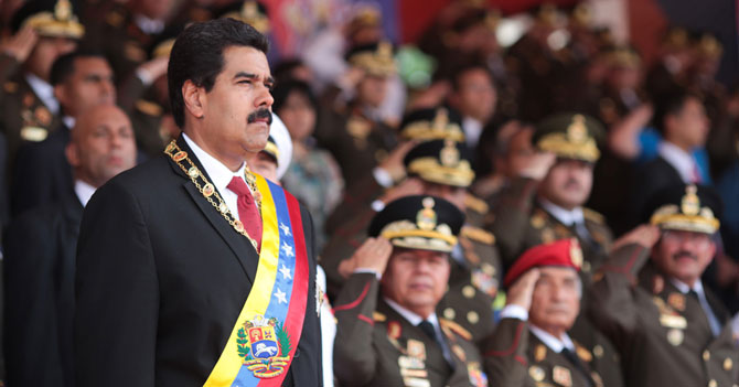 Maduro asciende a Boy Scout a General para que no haga nudo en su contra