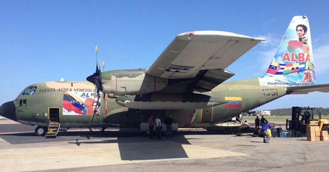 Avión humanitario venezolano confunde a Sucre con Palestina y le brinda ayuda a Venezuela