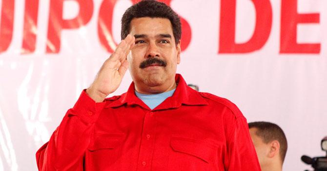 Finalmente toma medidas económicas: Maduro vende su cupo electrónico