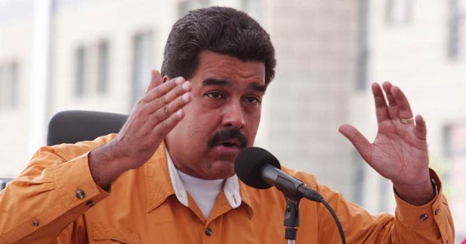 Maduro acusa a la oposición de haberle pegado canción de Maroon 5