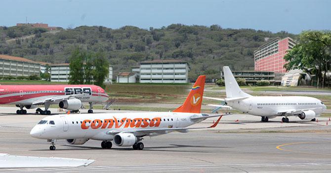 Para facilitar salida de jóvenes, mudan sedes de universidades a los aeropuertos