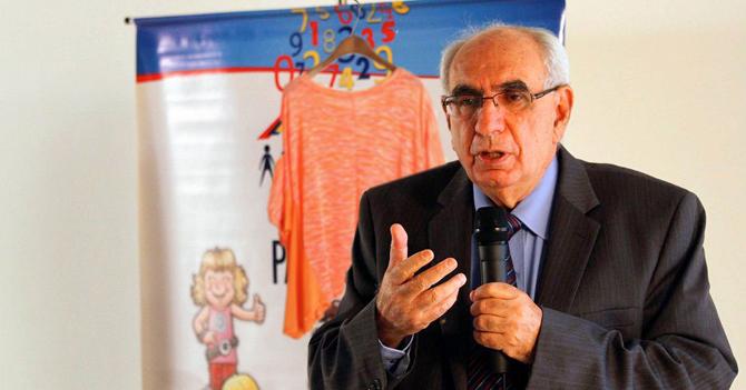 Presidente del INE interrumpe reunión sobre empleos formales para vender ropa de mujer