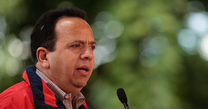 Ministro de Finanzas asegura que no cagarla no está en sus planes
