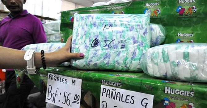 Sólo venderán pañales a madres que tengan a su niño pegado con el cordón umbilical