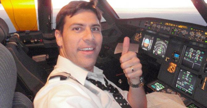 Gira de Maduro fue todo un éxito para piloto que se agarró a una de las aeromozas