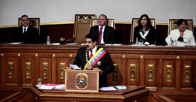 Maduro anuncia que sigues siendo un pajuo por esperar anuncios