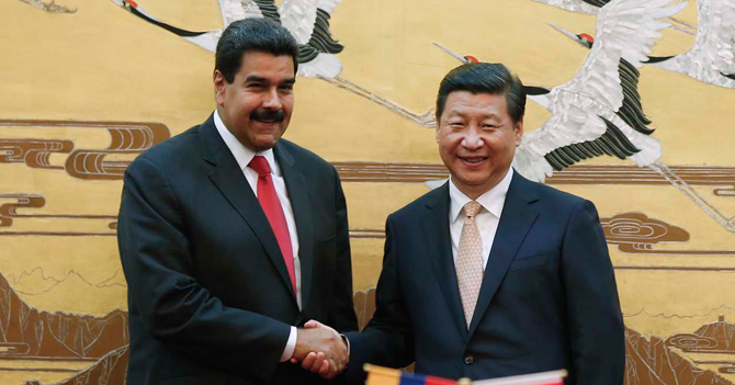 Maduro consigue en China préstamo de 30 millones de cadenas y grilletes