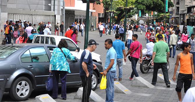Instituto Nacional de Estadística asegura que 900% de los venezolanos son chavistas felices