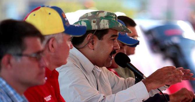 Maduro crea comisión de ayuda para las víctimas de arrecheras por sus anuncios