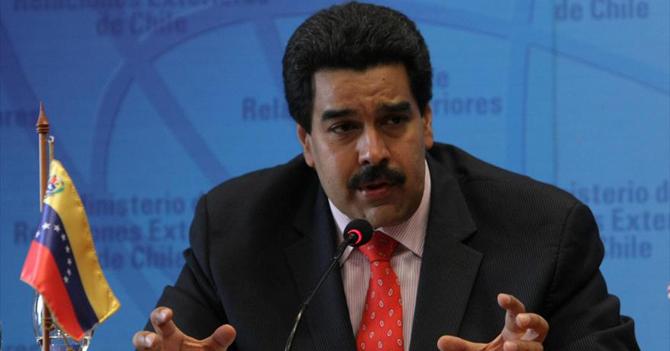 Maduro pregunta si puede cobrar su sueldo en dólares
