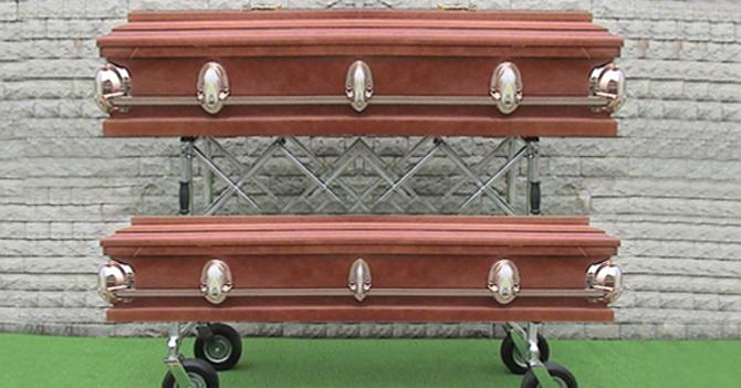 Comenzarán a fabricar ataúdes-literas para atacar hacinamiento en cementerios