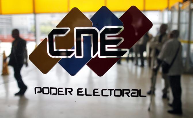 CNE dice que Maduro ganó en todas las circunscripciones de las primarias de la MUD