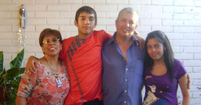 Familia indecisa entre pasar vacaciones haciendo cola en Margarita o en Maracaibo