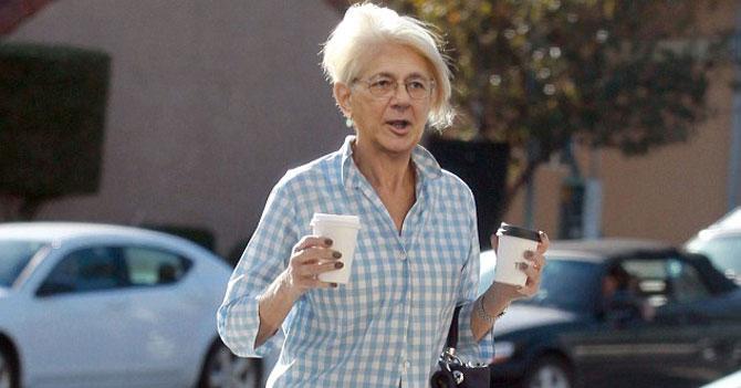 Tras exigencia del CNE de 40% de mujeres candidatas, Ramos Allup cambia de sexo