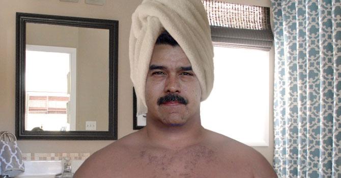 Maduro finge que se bañó a pesar de haber tardado más que bañarse de verdad