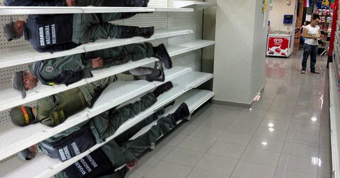 Supermercado rellena estantes vacíos con Guardias Nacionales