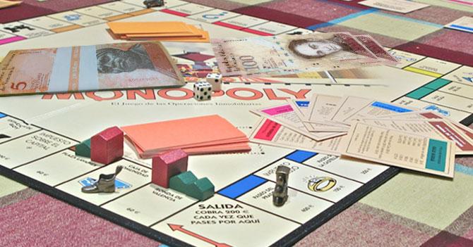 Hasbro anuncia que para ahorrar utilizarán bolívares como billetes en monopolio