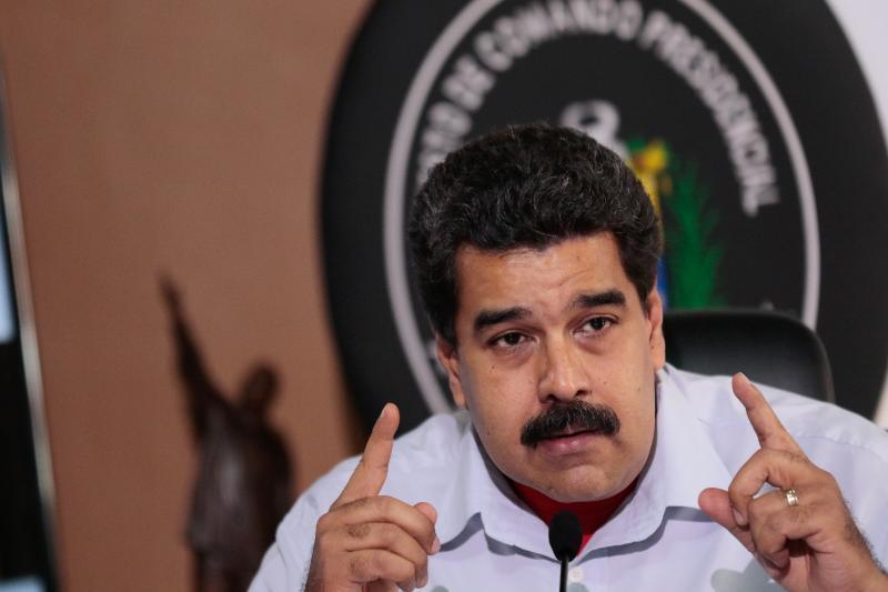 """Maduro expulsa a """"pelirrojos"""" del país y los declara amenaza para la patria"""