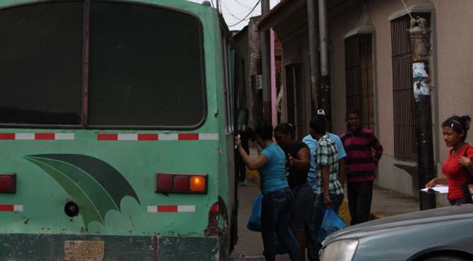 Autobuseros esperan pasaje en Bs.300.000.000 para 2016