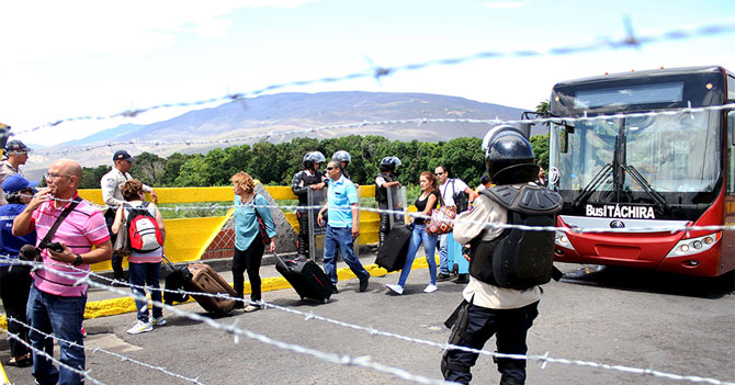 Habitantes de la frontera temen que esto termine en concierto de Juanes