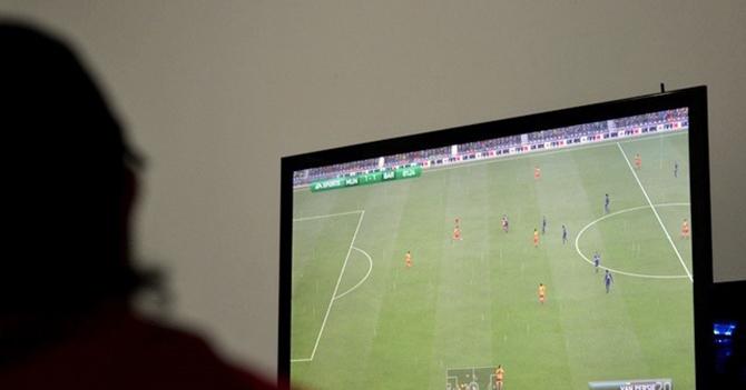 Policía Suiza investiga a chamo que se dejó ganar jugando FIFA