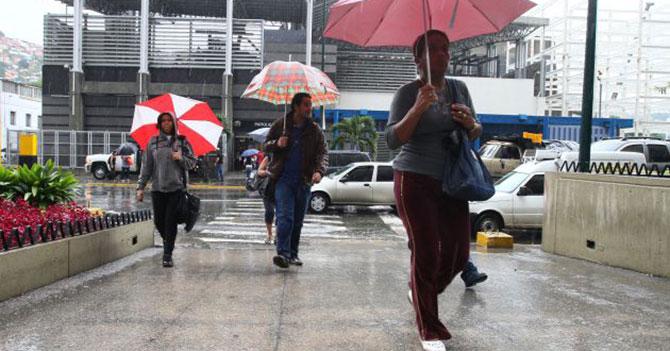 Cae llovizna de 7.8 en la escala de Richter sobre Caracas