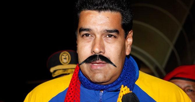 Maduro sale a la calle con bigote postizo para que nadie lo reconozca