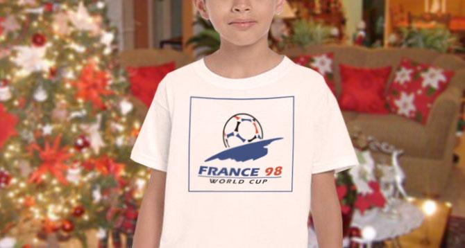 Niño sospecha que franela del mundial del 98 no es un Estreno