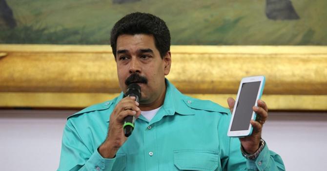 "En grupo de Whatsapp ""PSUV: victoria perfecta"" solo queda Maduro"