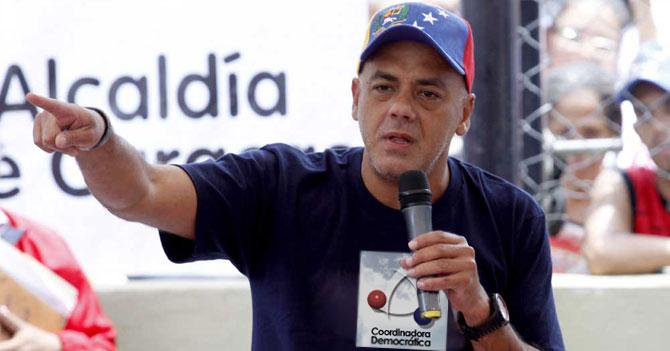 Jorge Rodríguez canta fraude, pone CD del cacerolazo y llama a Paro Indefinido
