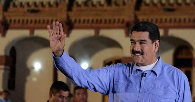 Gobierno privatiza Venezuela para no dársela a la oposición