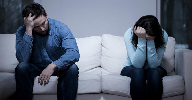 Joven termina con su novia para evitar regalarle algo en navidad