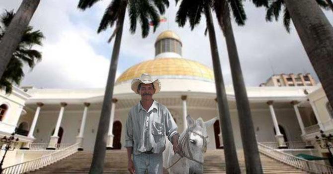 Llaneros exigen a la Asamblea legalización del matrimonio hombre - burra