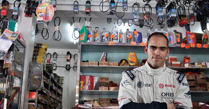 Pastor Maldonado trae de regreso su carro para vender repuestos