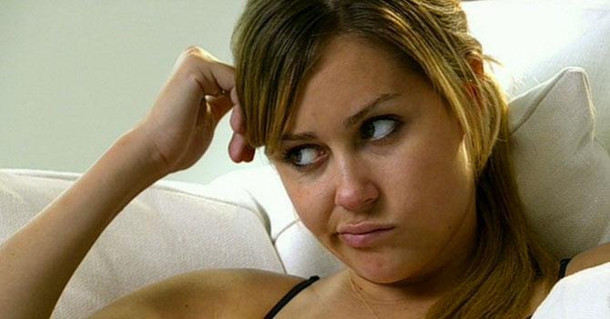 Treintona que solo habla de casarse no entiende por qué sigue soltera