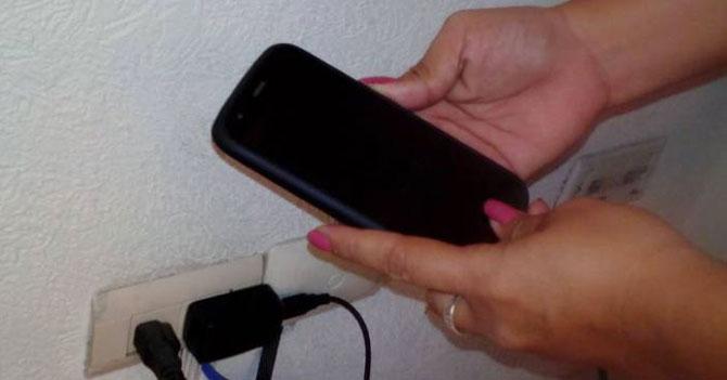 Venezolanos del interior organizan viaje para cargar sus celulares en Caracas
