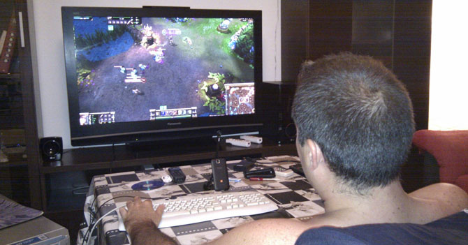 Jugador de League of Legends consigue novia gracias al racionamiento eléctrico