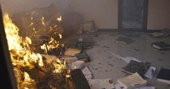 CNE invalida planillas del revocatorio luego de incendiarlas por accidente